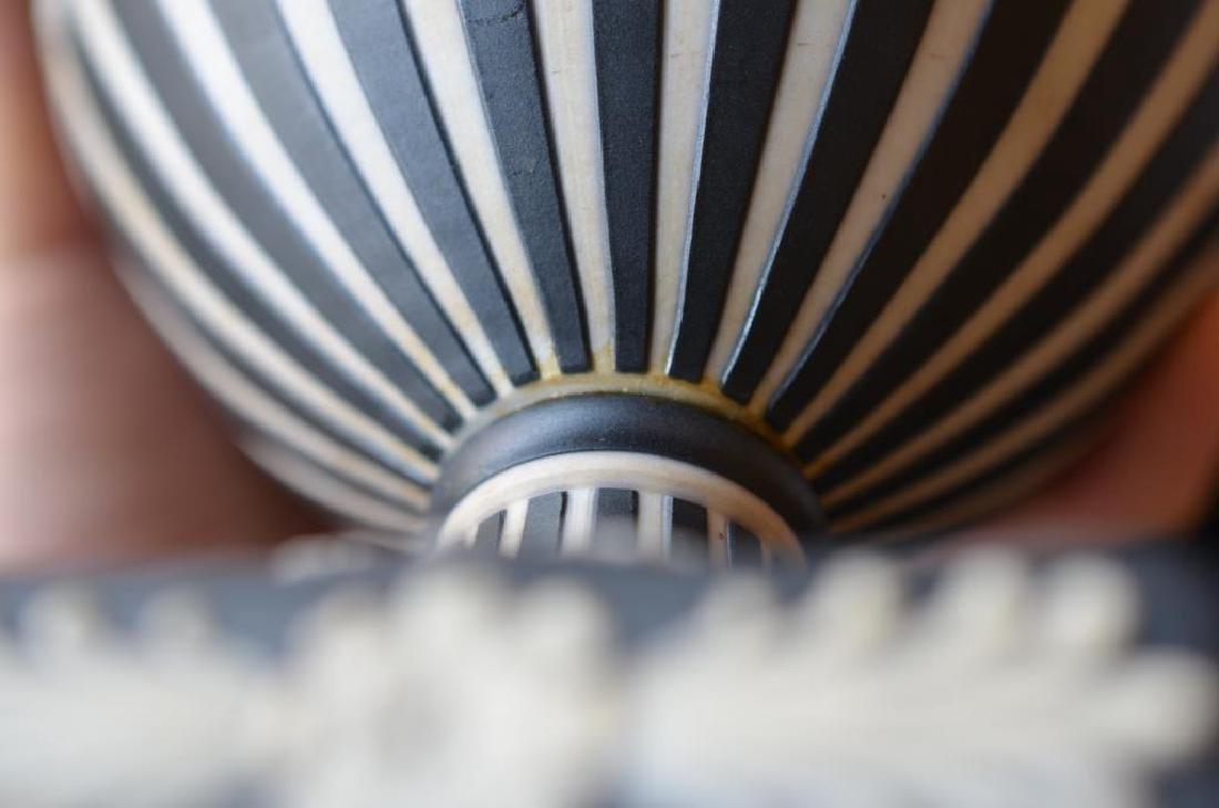 Wedgwood black basalt Jasperware covered vase - 9