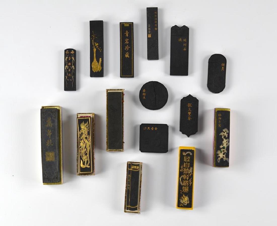 FIFTEEN CHINESE HUIZHOU HU KAIWEN INK STICKS
