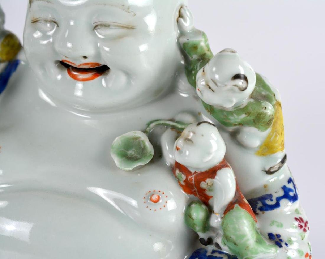 CHINESE FAMILLE ROSE PORCELAIN BUDDHA WITH KIDS - 6