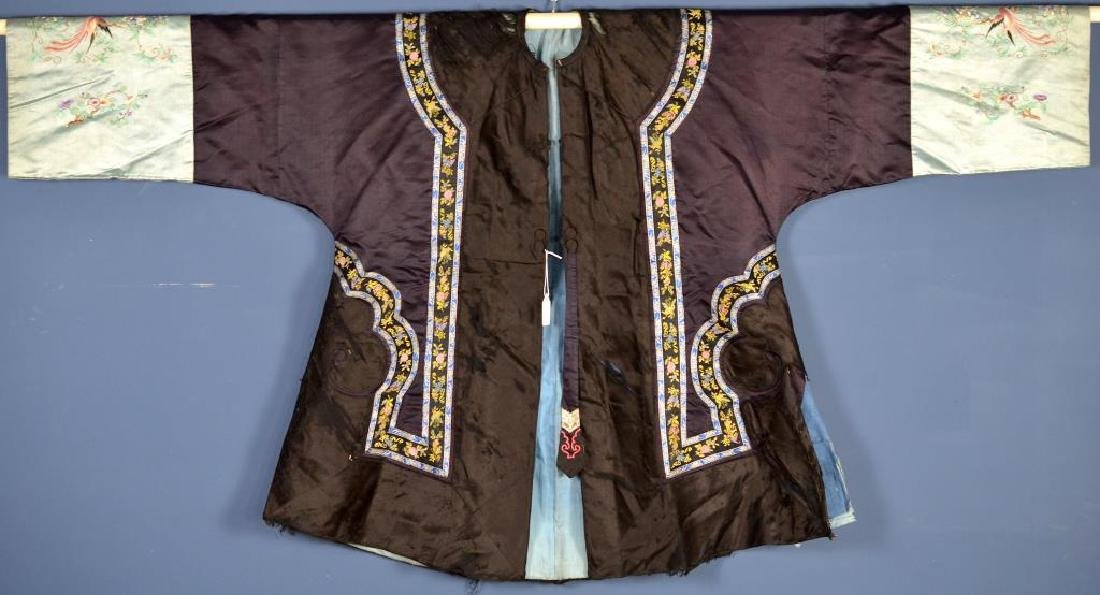 CHINESE BLUE GROUND SILK EMBROIDERED WOMAN'S ROBE