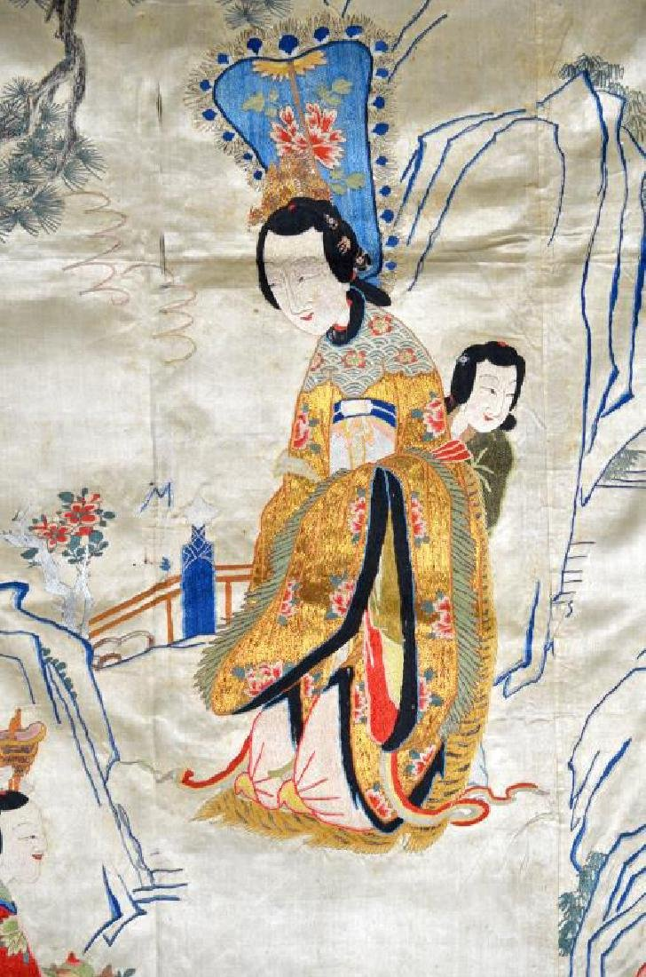 LARGE CHINESE SILK EMBROIDERED TEXTILE WITH LADIES - 2