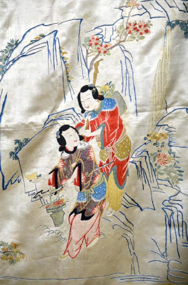 LARGE CHINESE SILK EMBROIDERED TEXTILE WITH LADIES - 5