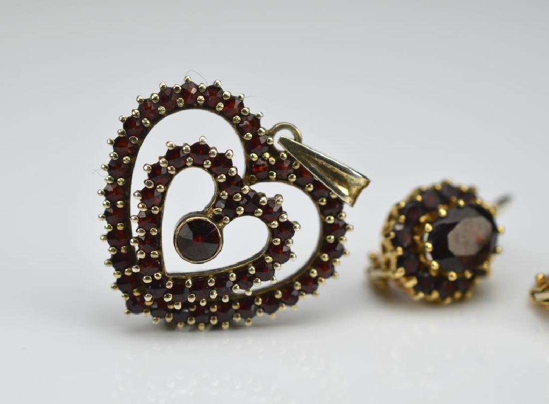 Pair of gold & garnet earrings and garnet pendant - 2