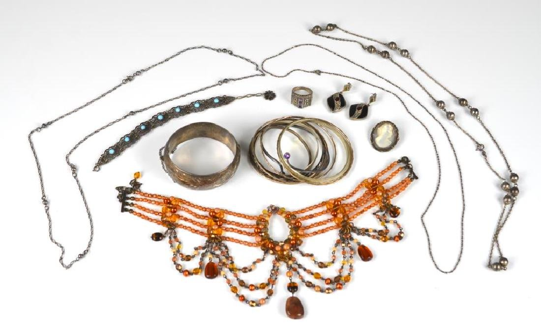 Lot of antique and vintage silver jewellery