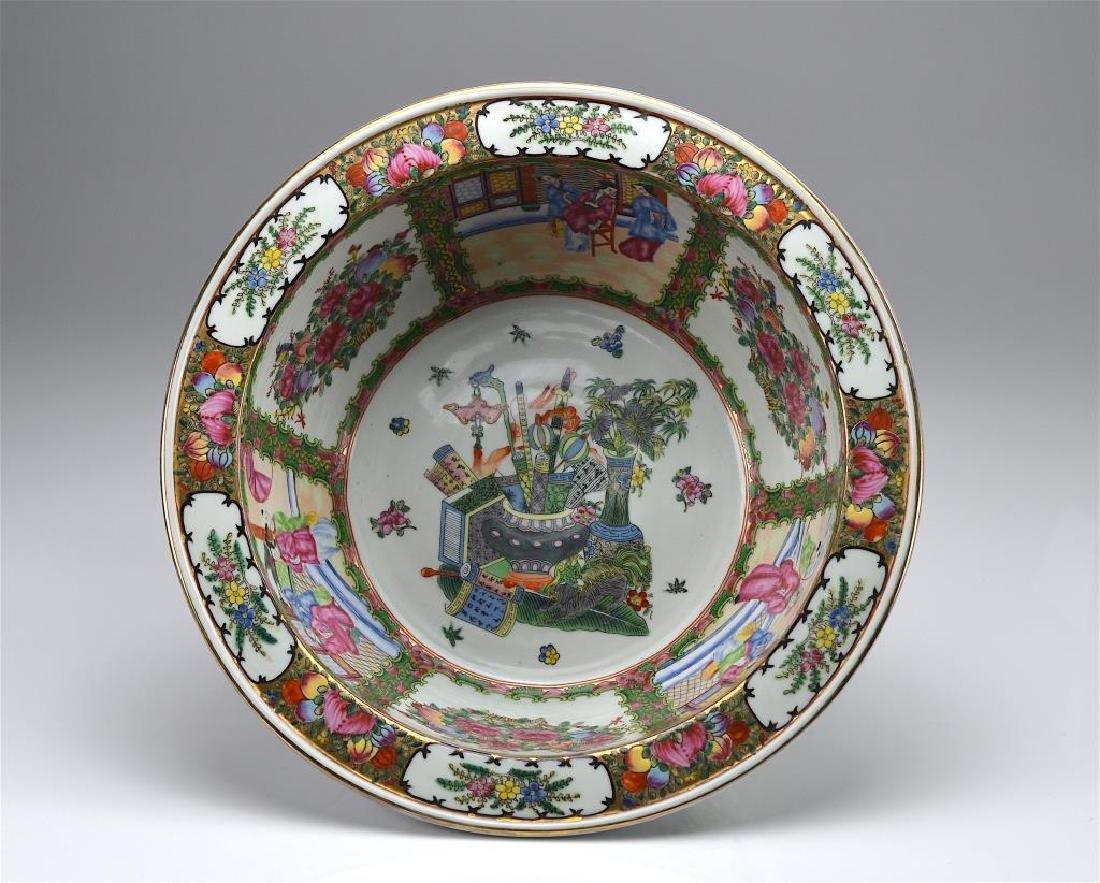 Large Chinese famille rose porcelain basin