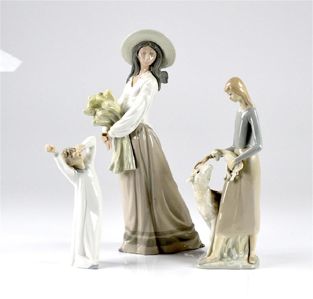 Three Spanish porcelain figures