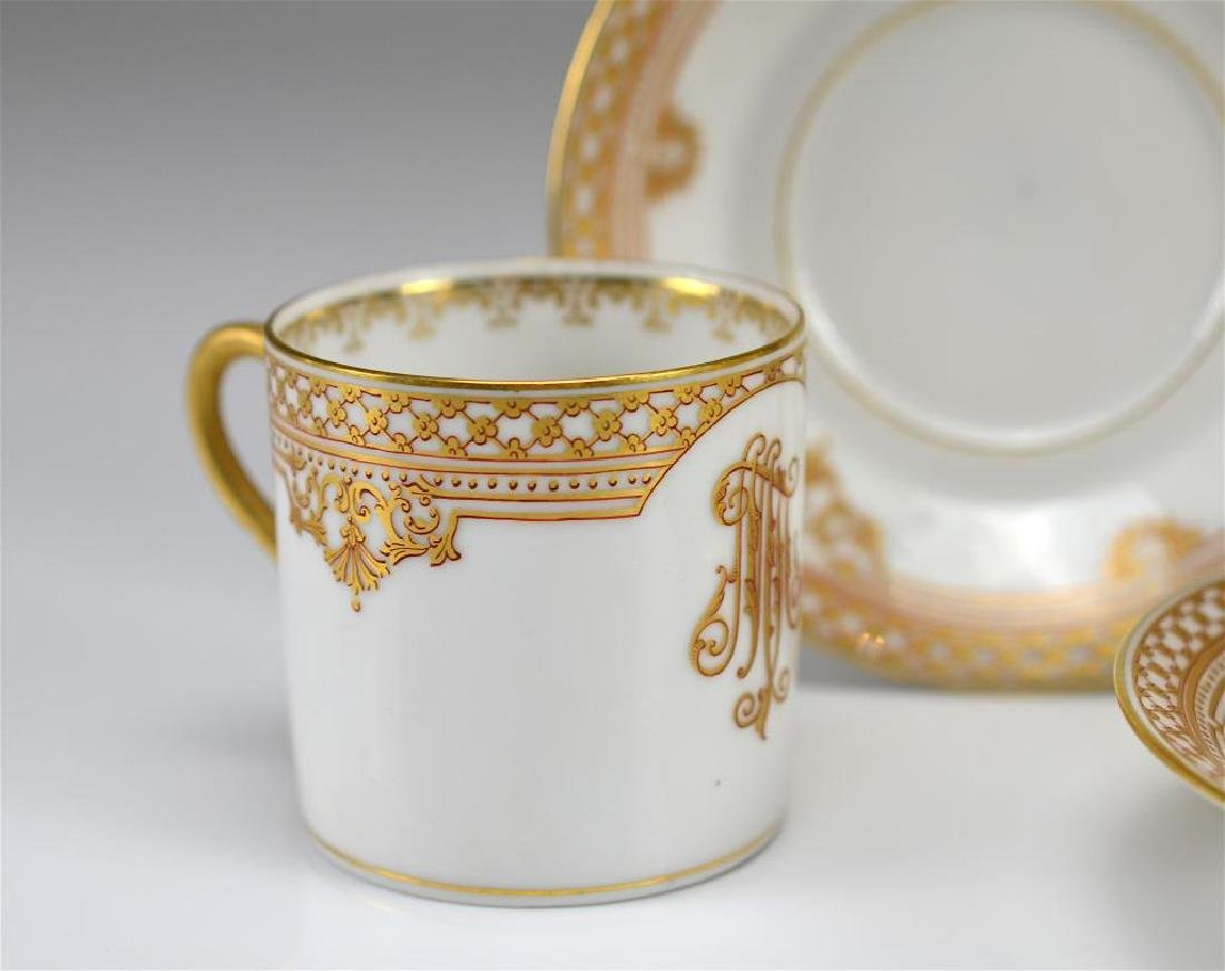 Four Russian porcelain Kornilov cups and saucers - 3