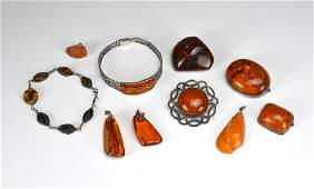 Lot of amber and silver jewellery