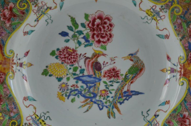 LARGE CHINESE EXPORT FAMILLE ROSE PORCELAIN BASIN - 2