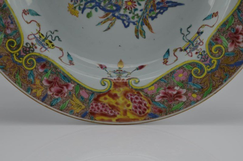 LARGE CHINESE EXPORT FAMILLE ROSE PORCELAIN BASIN - 4