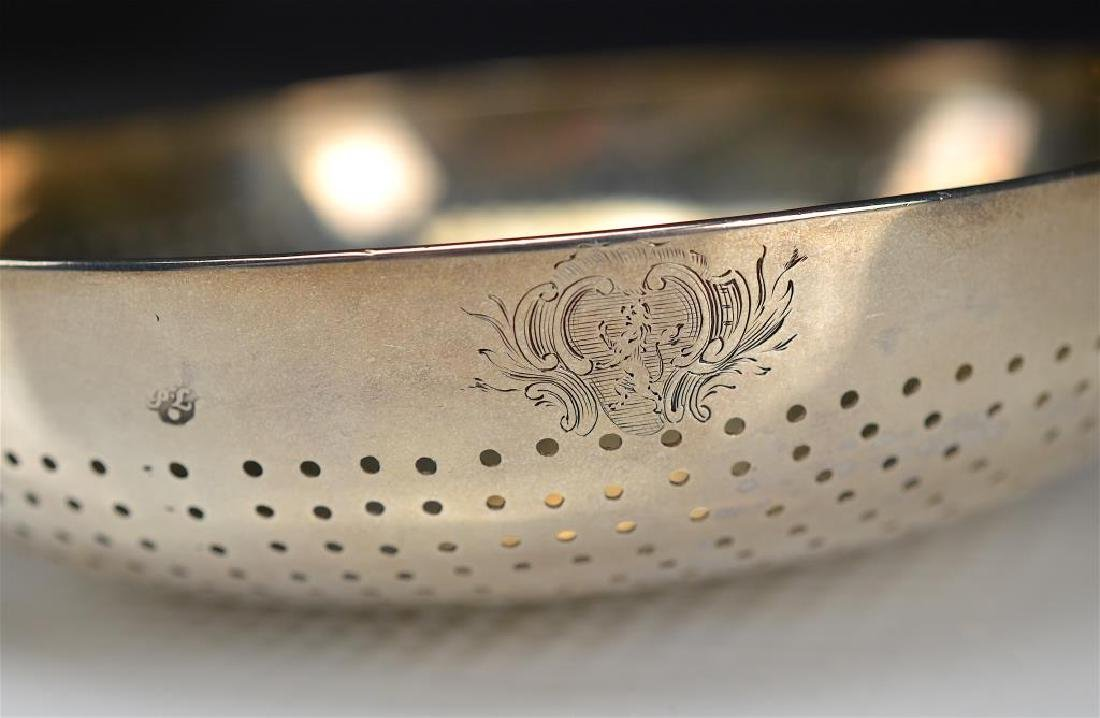 A LARGE GEORGE II SILVER PUNCH STRAINER - 3