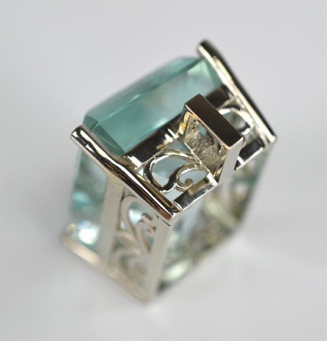 AQUAMARINE AND DIAMOND GOLD PENDANT - 5