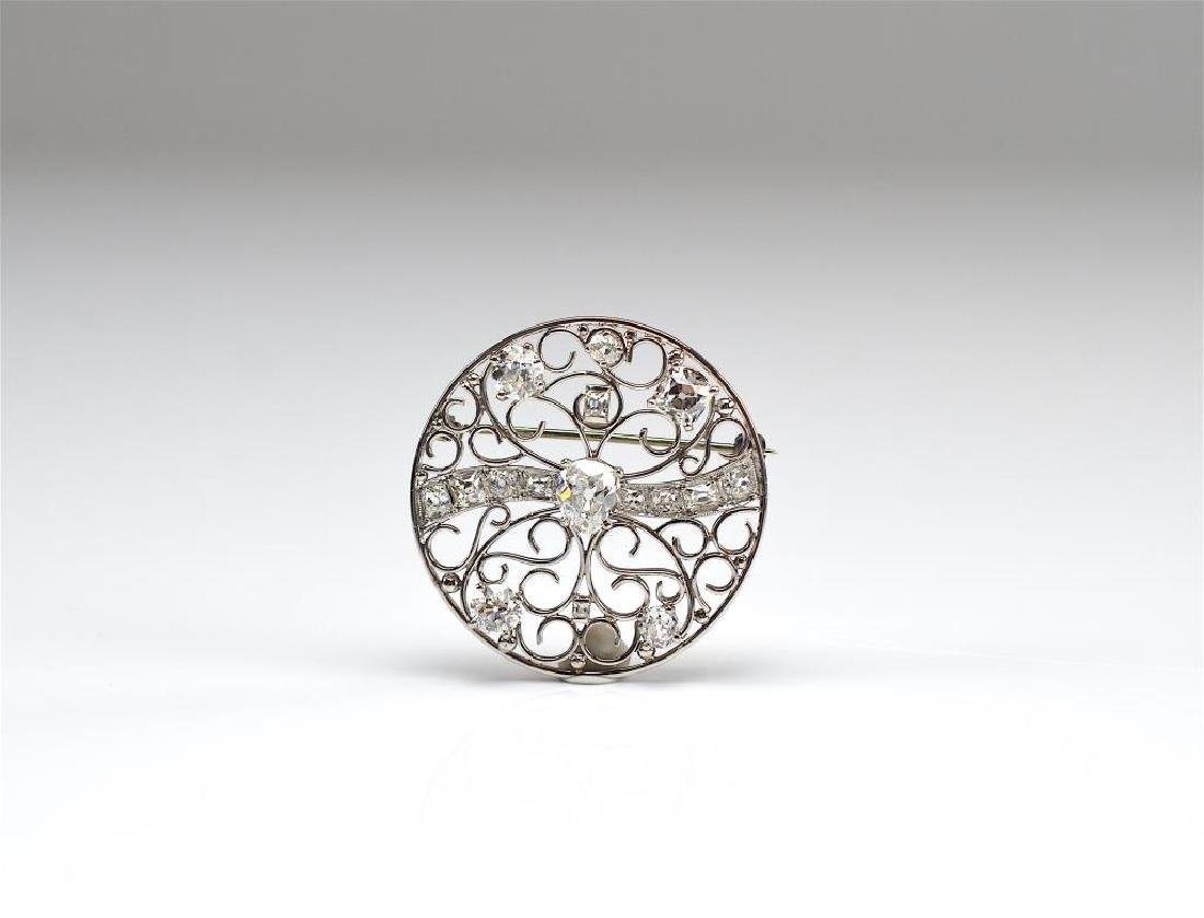 DIAMOND AND PLATINUM BROOCH