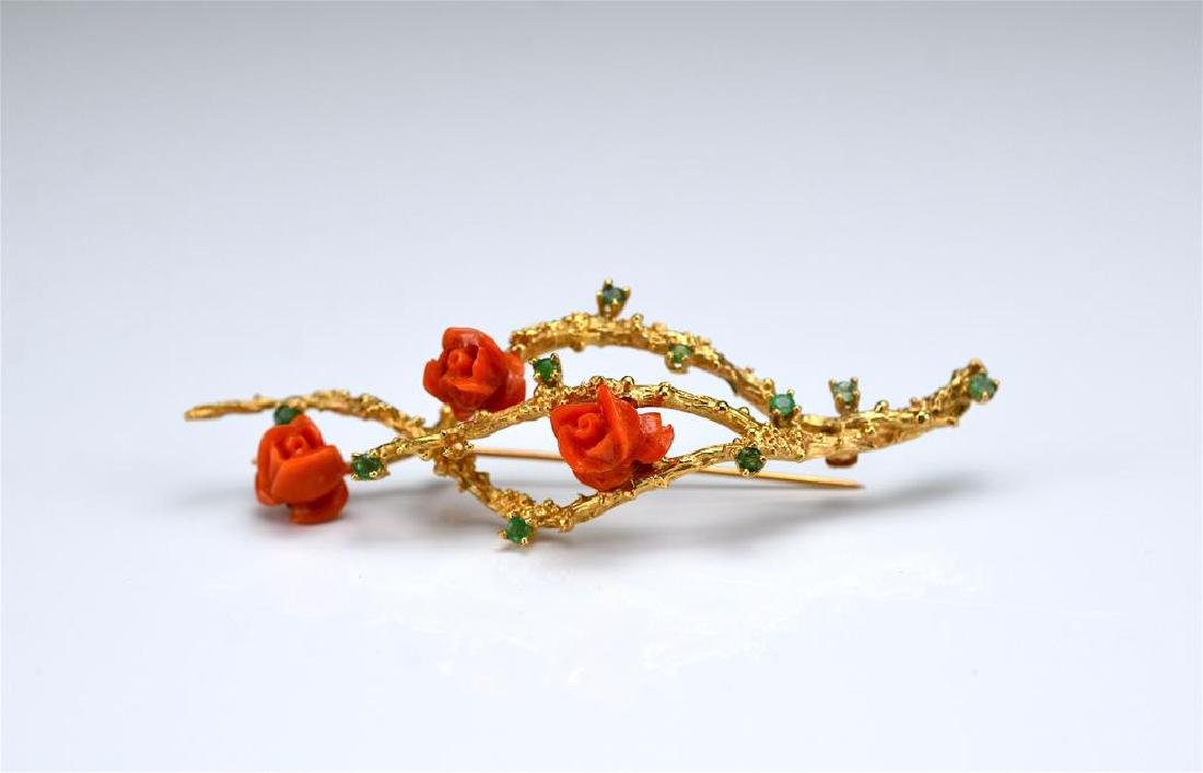 Vintage gold and coral bar brooch