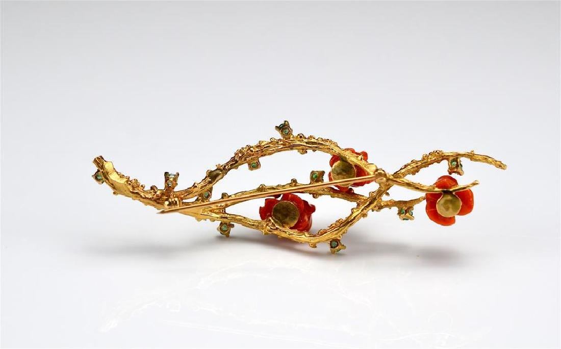 Vintage gold and coral bar brooch - 2