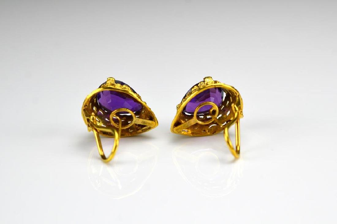 Pair of gold and amethyst earrings - 2