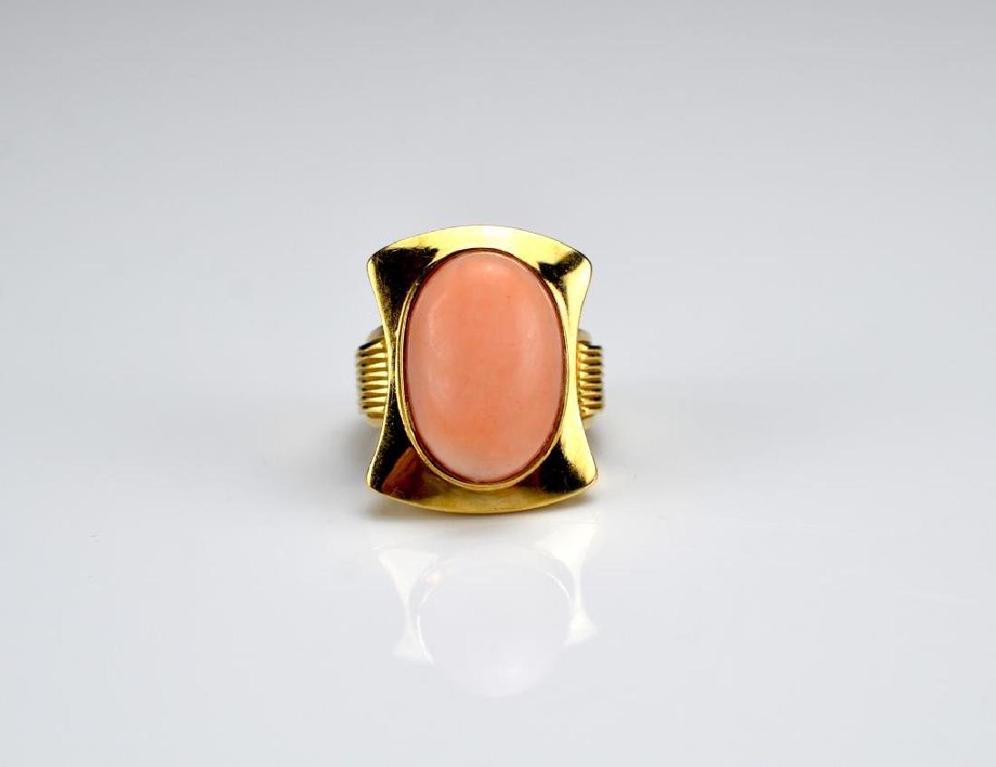 Yellow gold and coral ring and earrings - 2