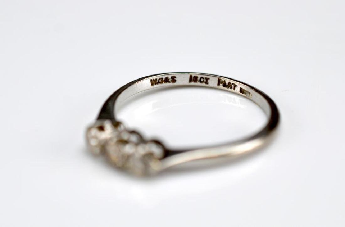 Two gold rings set with diamonds and sapphires - 3