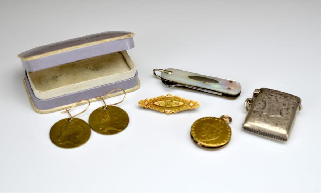 Lot of antique jewellery and accessories