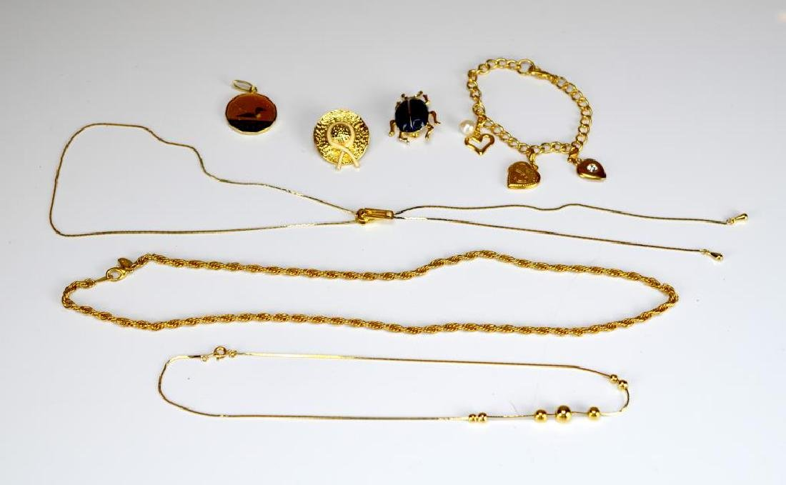 Lot of gilt and costume jewellery