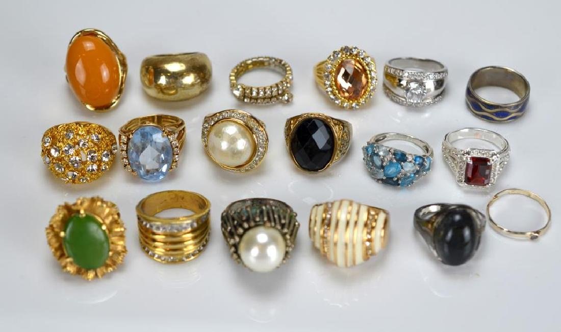 Large lot of costume rings and earrings - 2