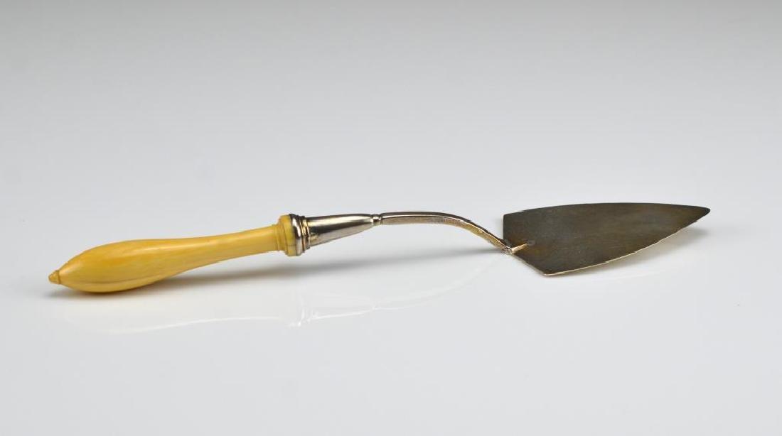 George III English silver trowel - 3