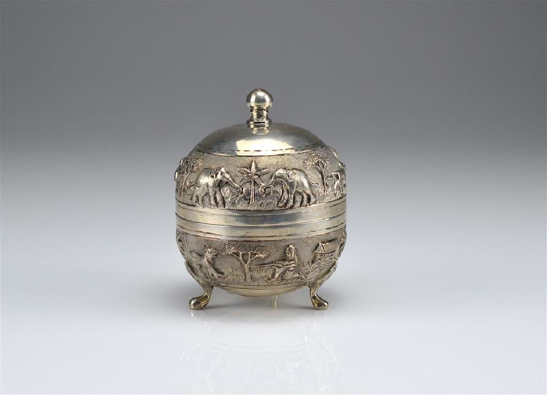 Indian colonial silver covered box - 3