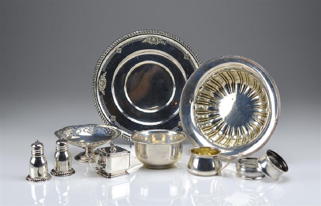 Lot of assorted silver holloware