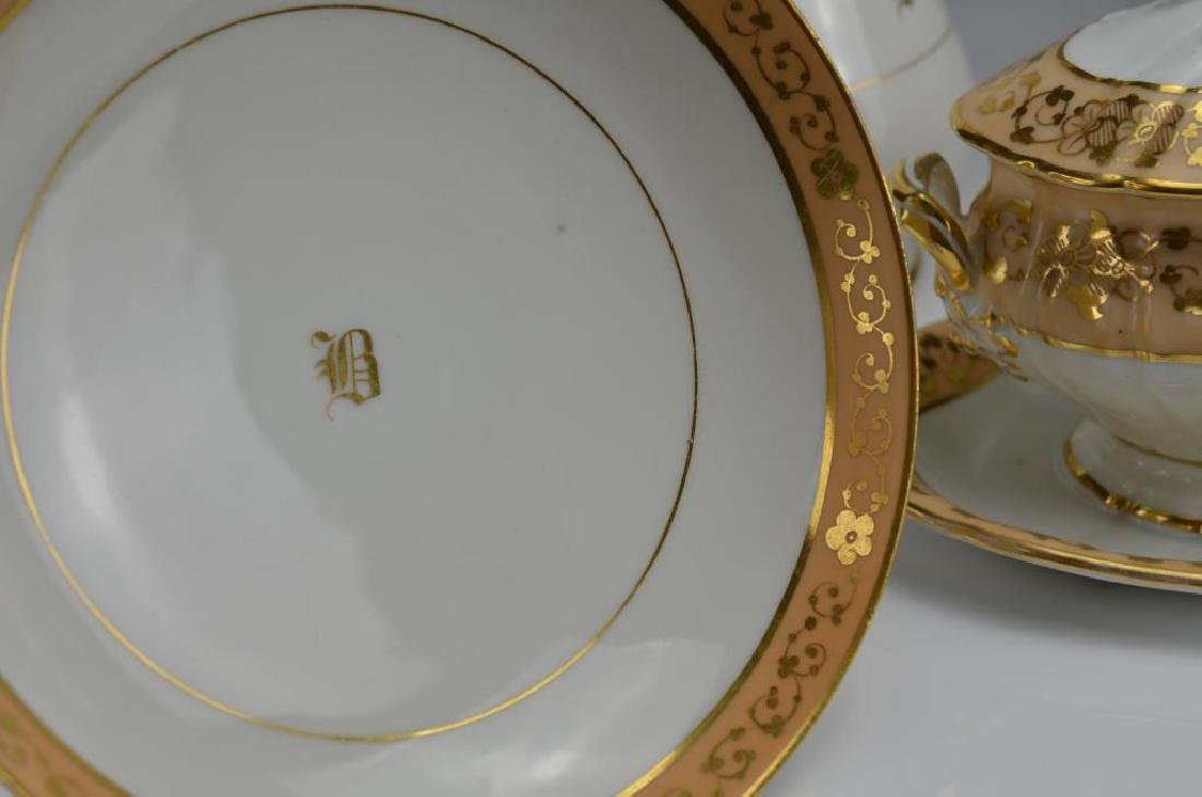 Lot of French porcelain serving pieces - 3
