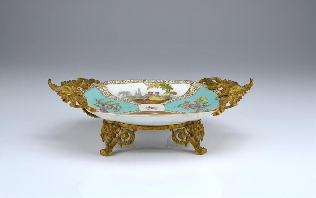 Dresden porcelain dish with bronze mounts - 2