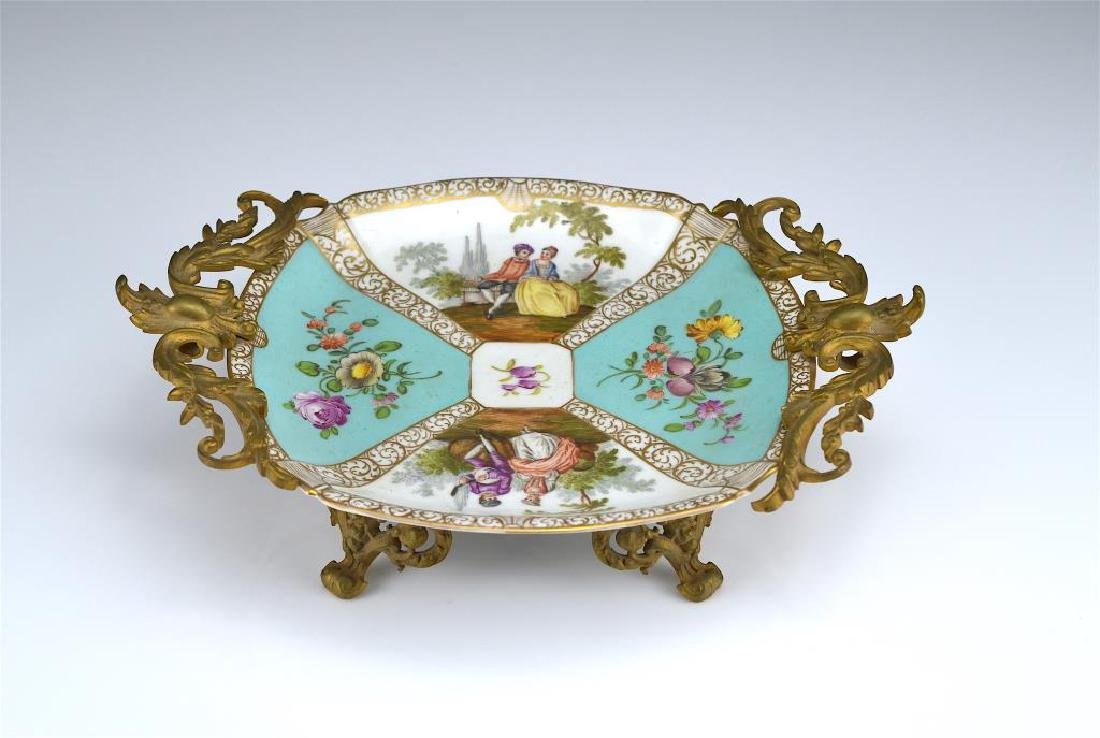 Dresden porcelain dish with bronze mounts - 3