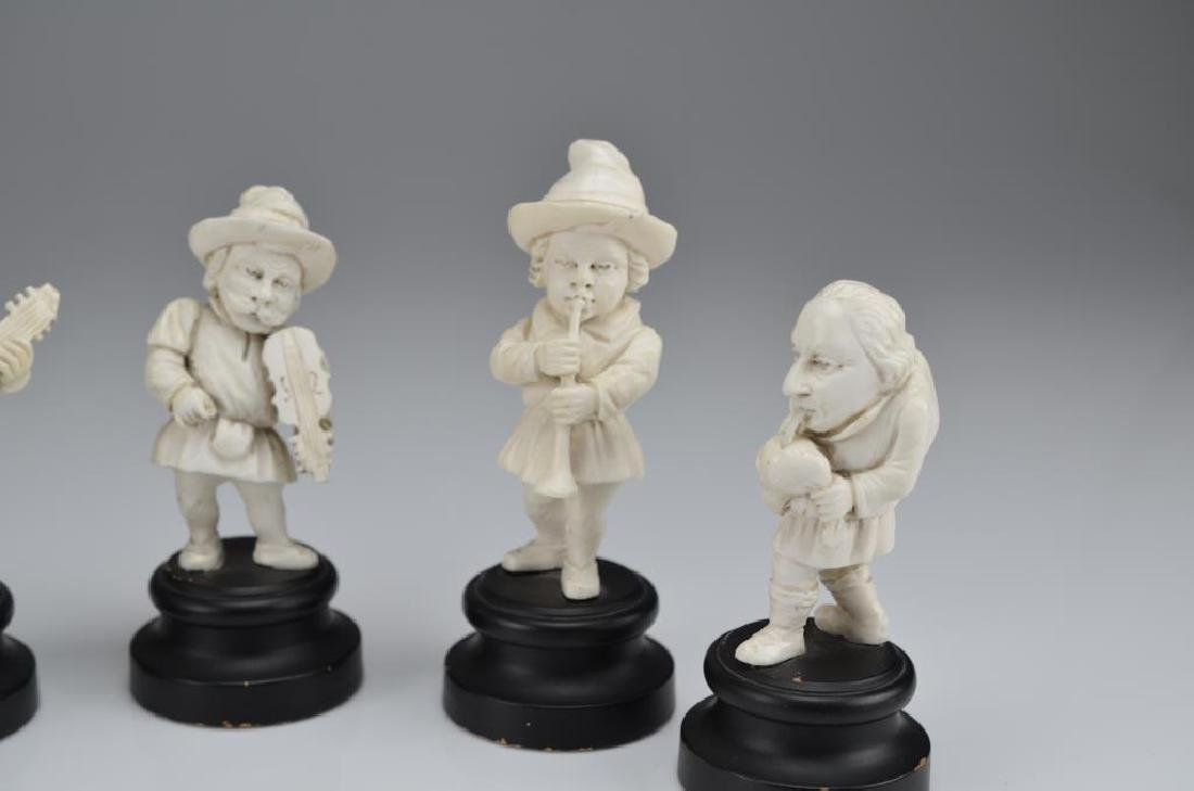 Set of five natural carved dwarf musicians - 3