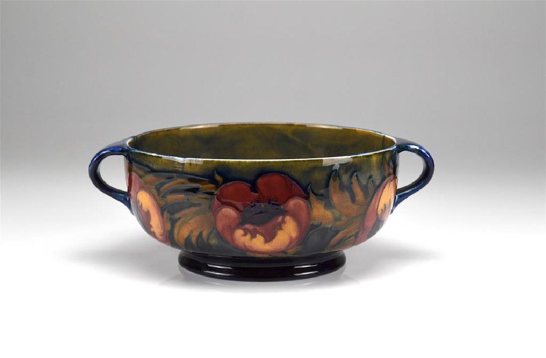 Moorcroft pottery Poppy handled bowl