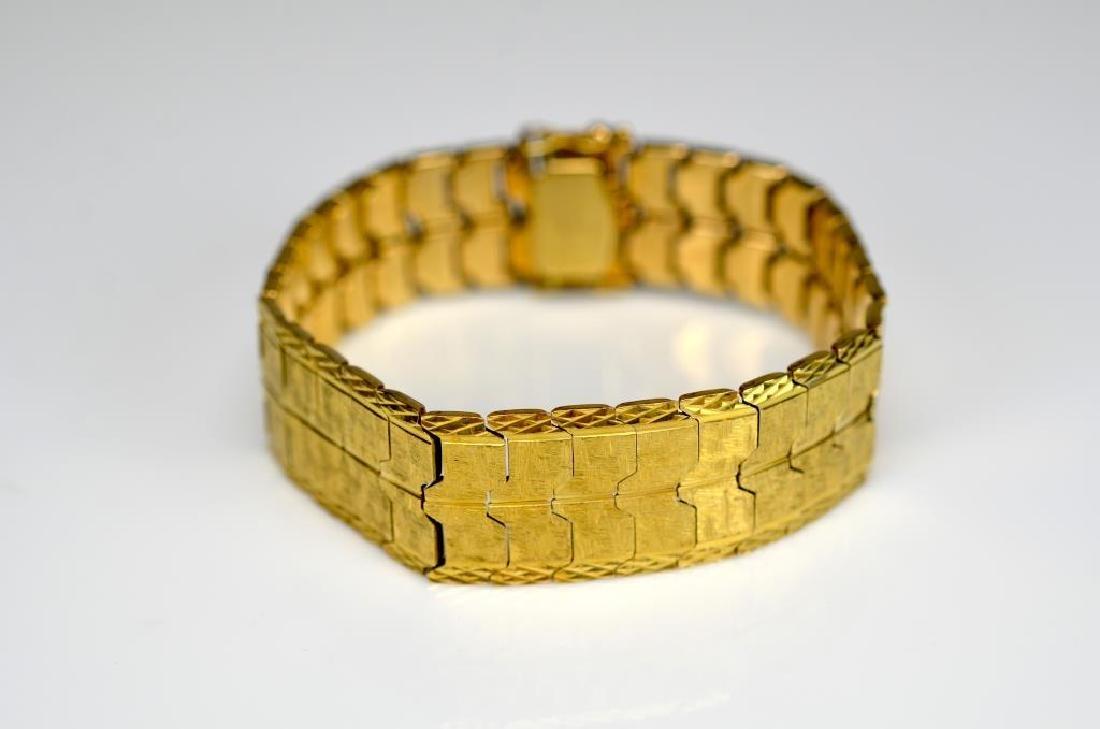 Gold flat link articulated bracelet