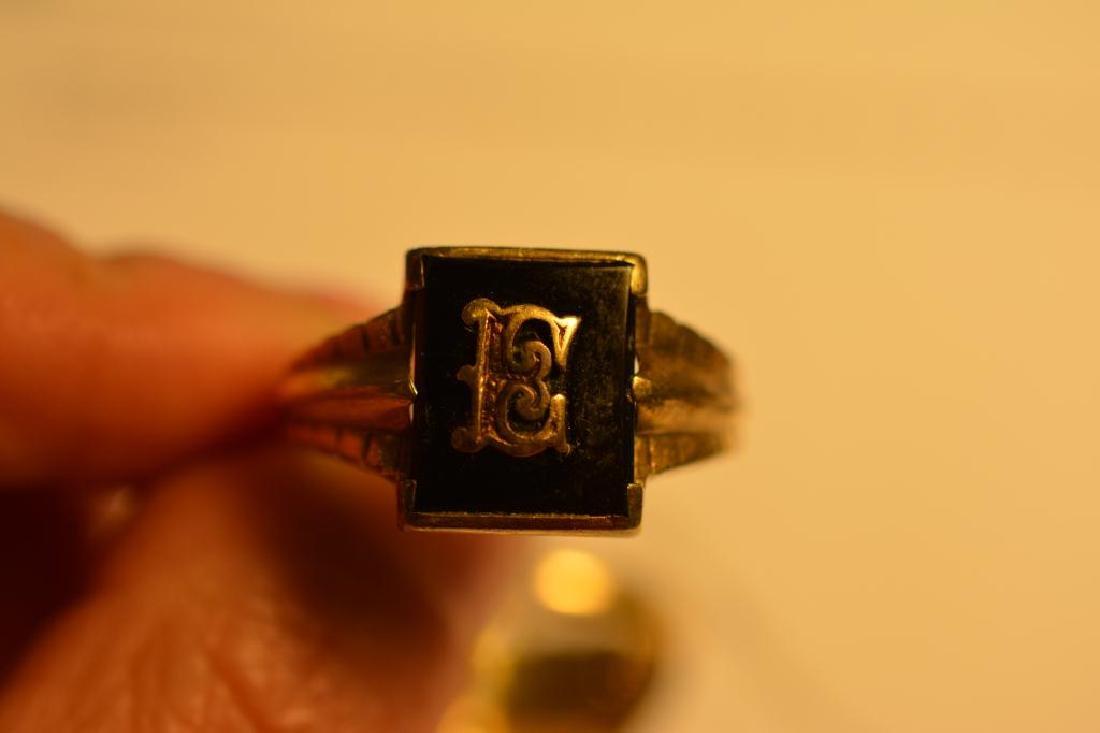 Two gold men's signet rings - 2