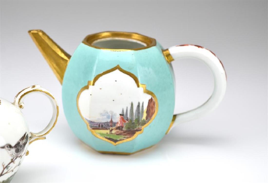 Two Continental porcelain teapots - 5