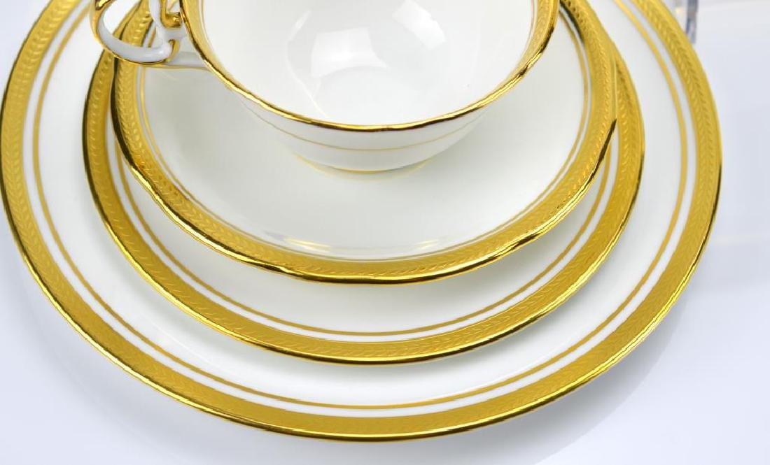 55 pcs of Aynsley Elizabeth porcelain dinnerware - 2