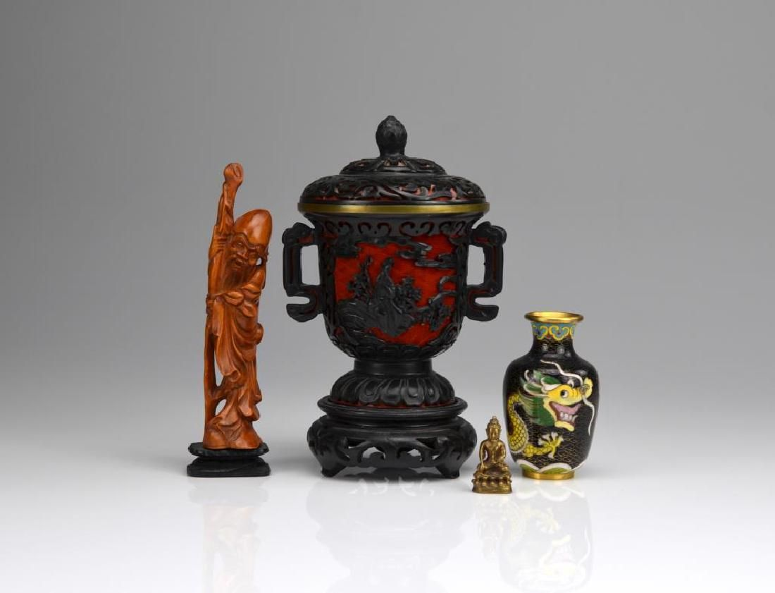 GROUP OF FOUR CHINESE DECORATIVE ITEMS