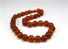 A natural amber beaded necklace