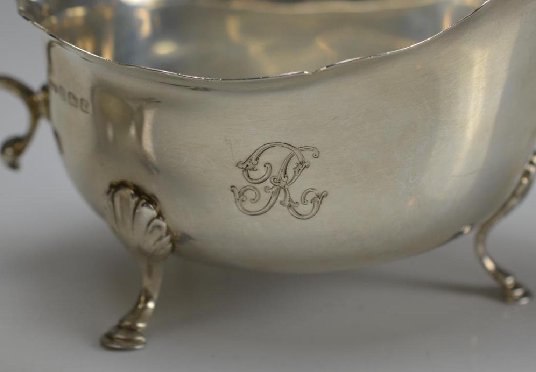 Pair of English silver sauce boats - 3