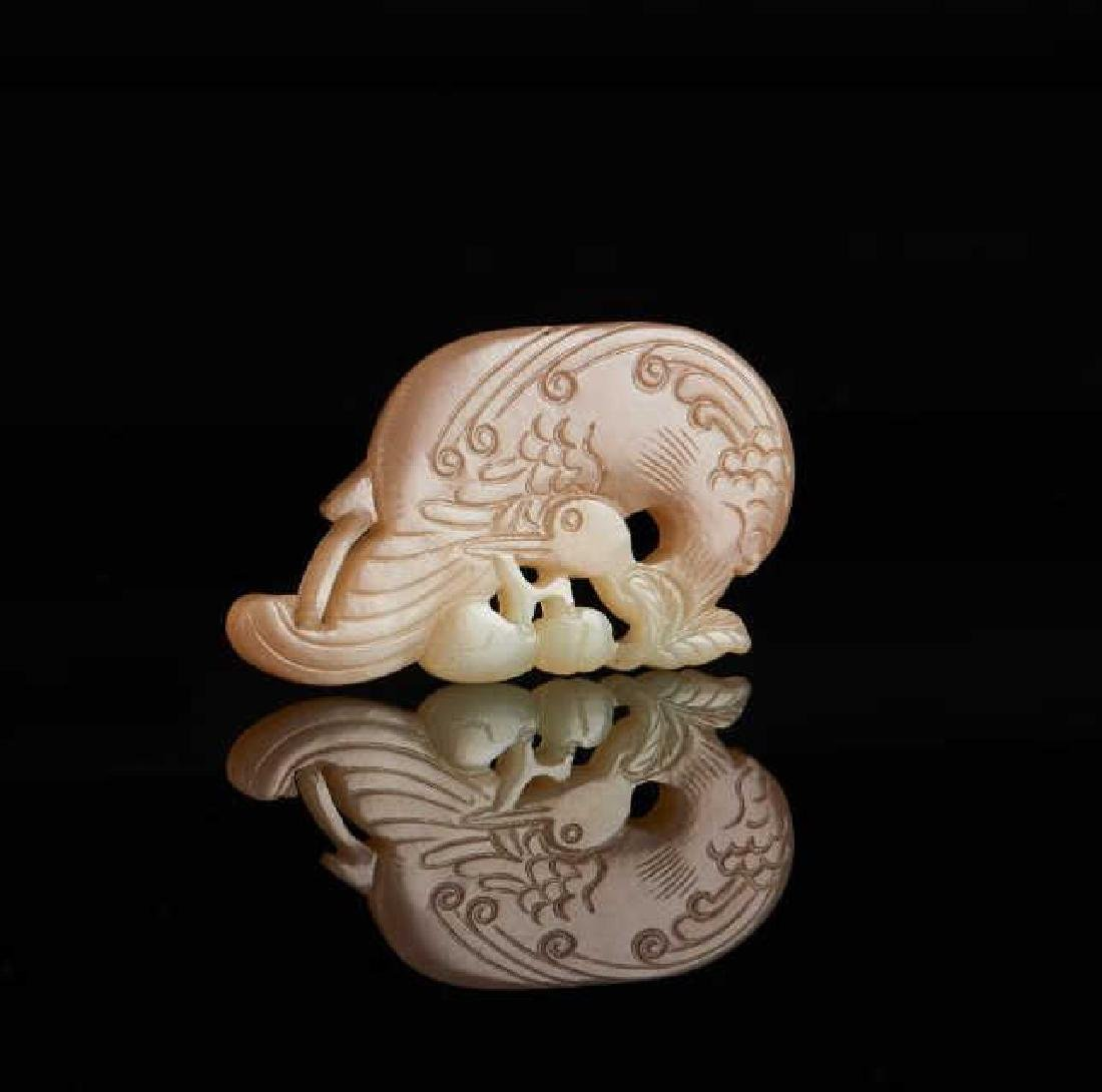 CHINESE RUSSET JADE CARVED CRANE PENDANT
