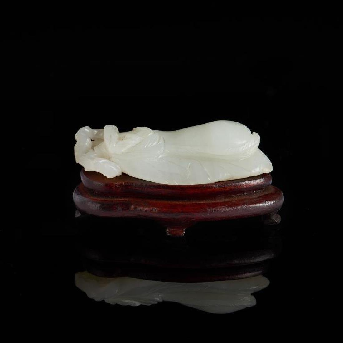 CHINESE CARVED WHITE JADE PEA PODS - 4