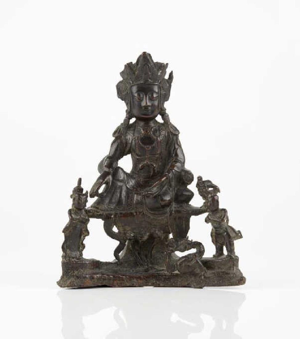CHINESE MING BRONZE FIGURE OF GUANYIN GROUP