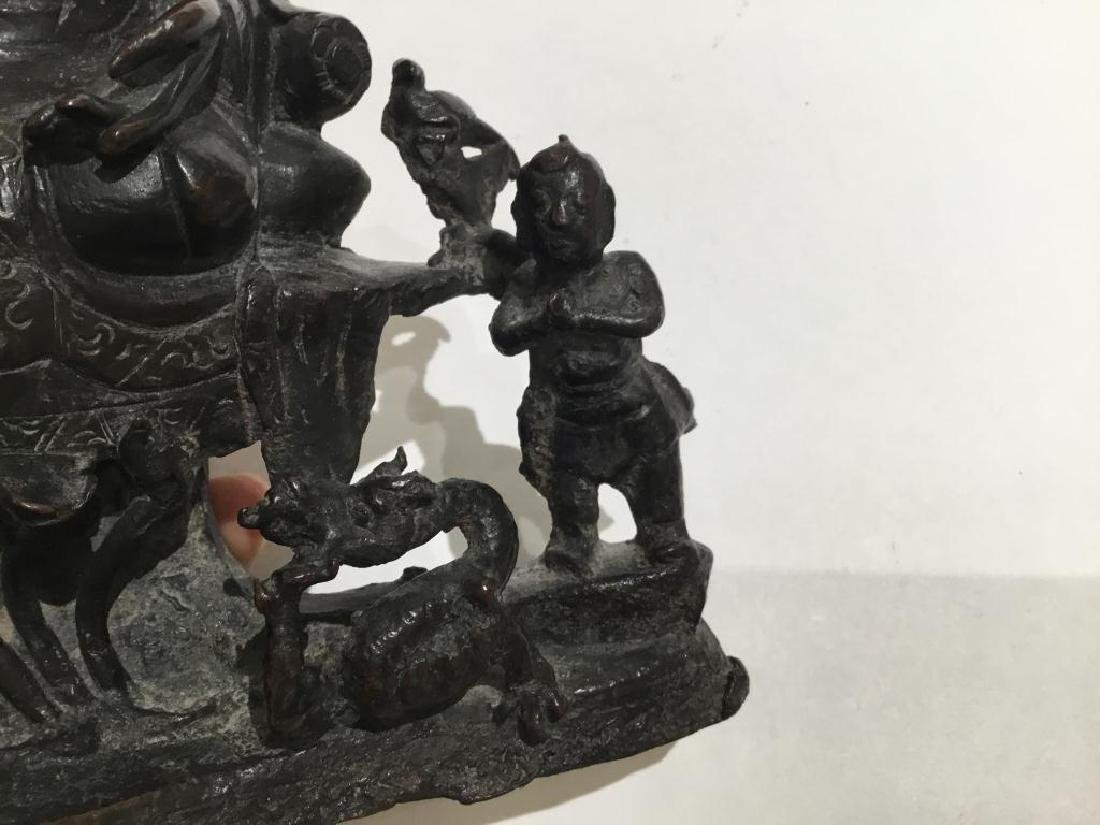 CHINESE MING BRONZE FIGURE OF GUANYIN GROUP - 2
