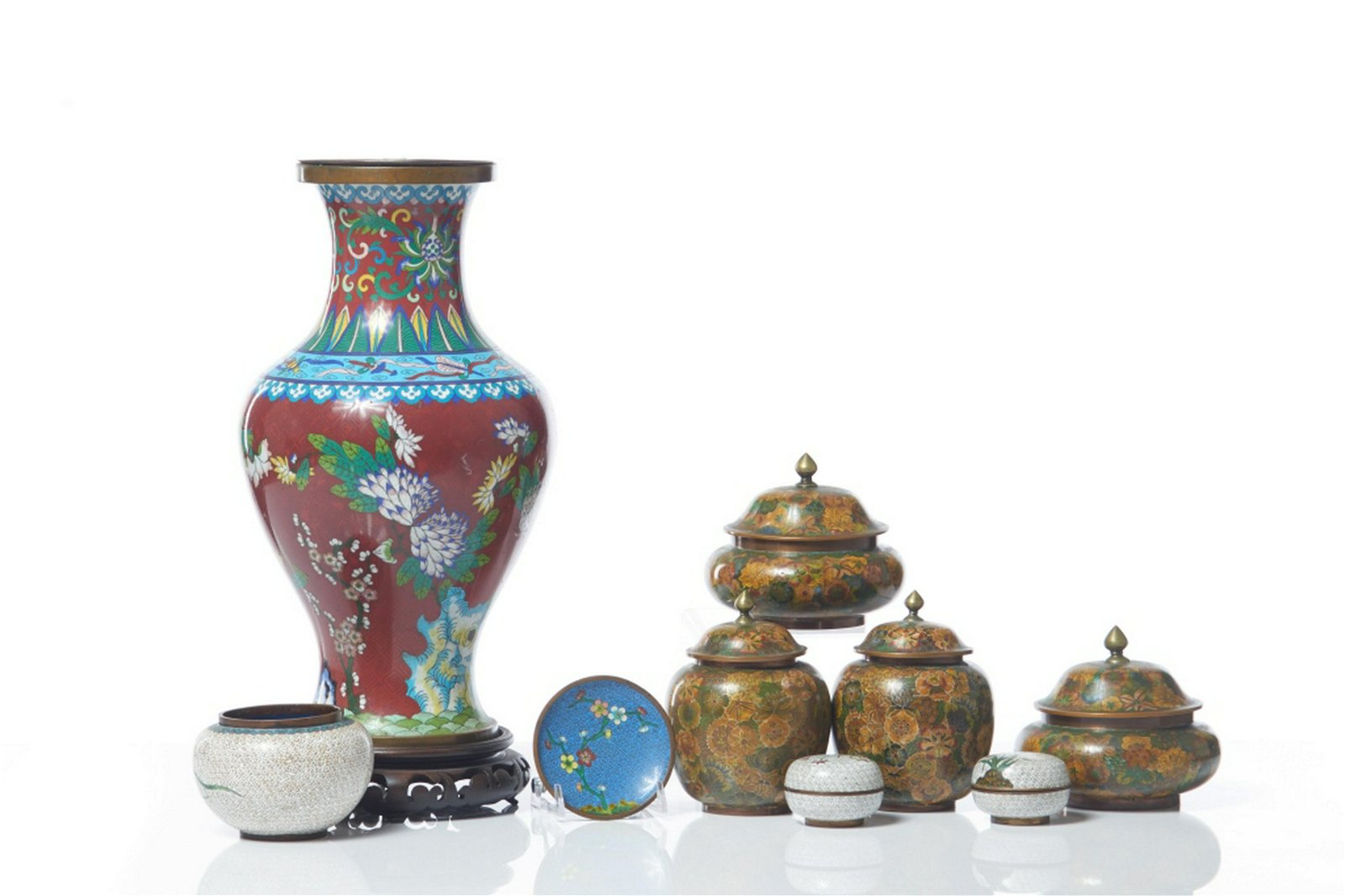 GROUP OF 9 CHINESE CLOISONNE ENAMELLED ITEMS