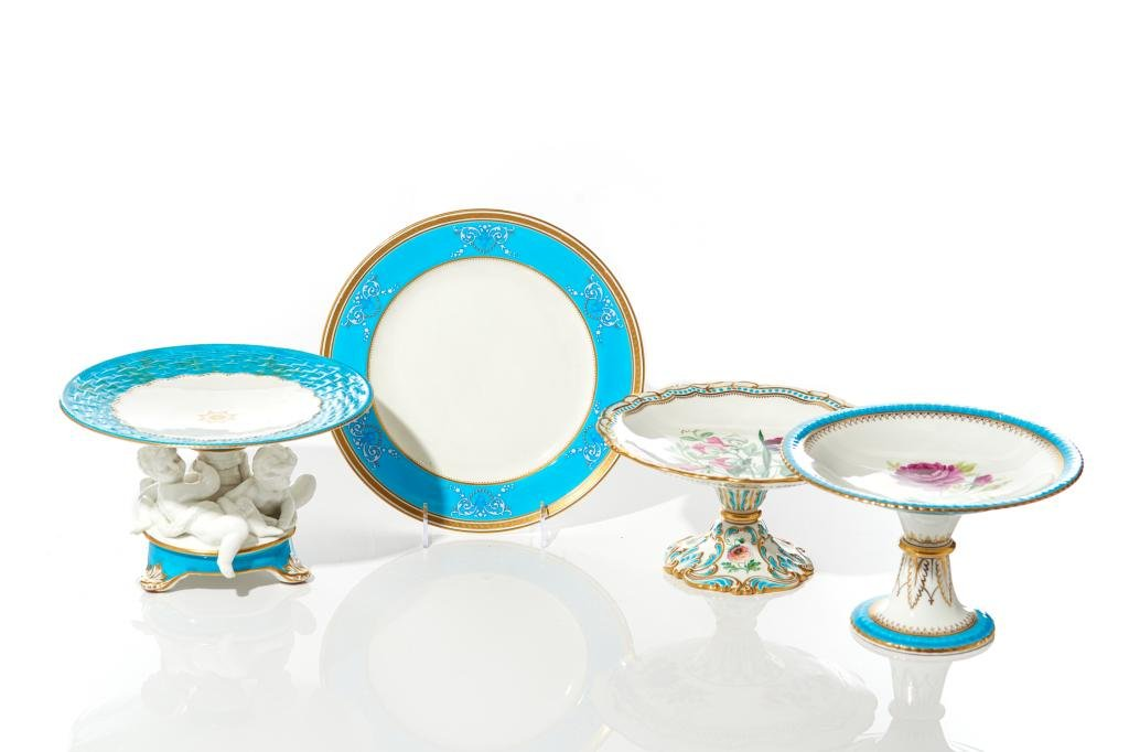 GROUP OF TURQUOISE ACCENTED PORCELAIN