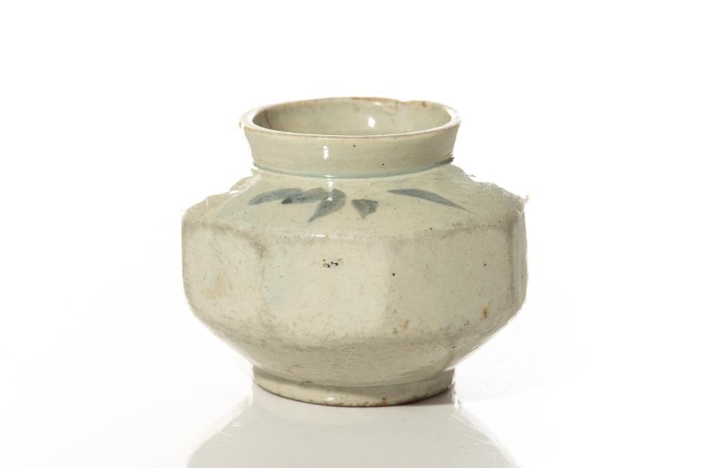 KOREAN BLUE & WHITE OCTAGONAL PORCELAIN JAR