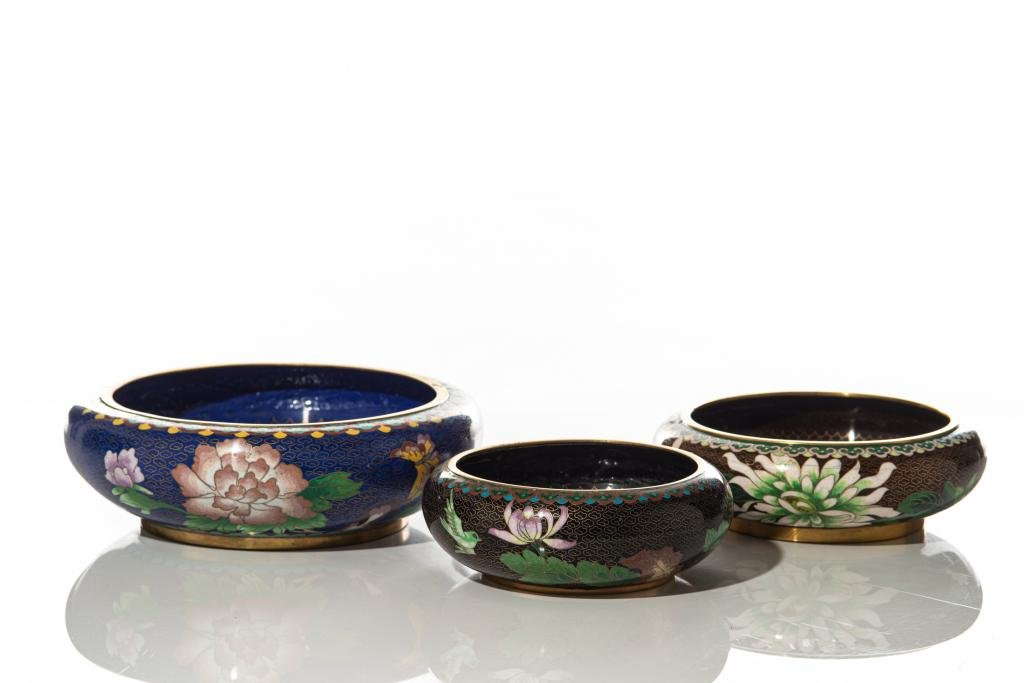 THREE CHINESE CLOISONNE WASHERS