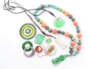 GROUP OF CHINESE HARDSTONE JEWELLRY