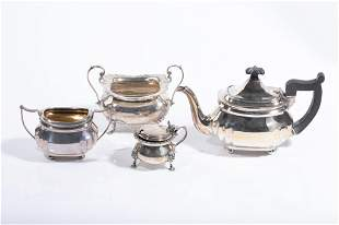 FOUR PIECES OF ENGLISH SILVER 882g